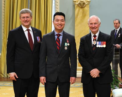 Paul Nguyen presented with the Queen Elizabeth II Diamond Jubilee Medal